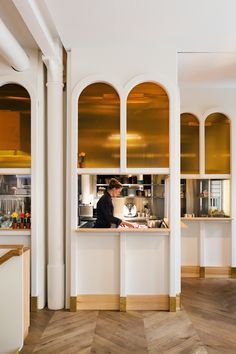 Panama Restaurant & Bar Berlin Yellowtrace - Love the arched window with amber glass detailing. Restaurant Logo, Restaurant Kitchen, Restaurant Design, Eclectic Restaurant, Commercial Interior Design, Commercial Interiors, Design Despace, Interior Architecture, Interior And Exterior