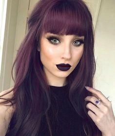 Love the color #BangsHairstylesFringe