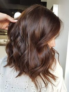 bunte Haare Bob Braun hair 2019 The price is something else that you may be pleased about. Brown Hair Shades, Light Brown Hair, Brown Hair Colors, Warm Brown Hair, Chestnut Brown Hair, Medium Brown Hair Color, Auburn Brown Hair Color, Brown Brown, Mahogany Brown Hair