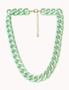 Newsflash: Chunky chains are totally on trend.