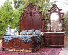 Gorgeous Victorian Mitchell & Rammelsberg Bedroom Set C. by Victorian Rose Antiques on E-Bay Victorian Bedroom Set, Victorian Bedroom Furniture, Victorian Interiors, Victorian Decor, Victorian Homes, Victorian Era, Vintage Bedrooms, Unique Furniture, Vintage Furniture
