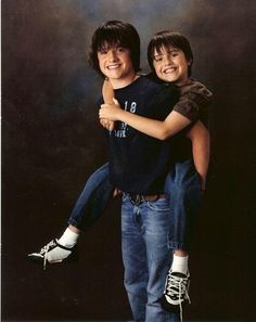 Josh & Connor Hutcherson back in the day(: ---> ONE DOES NOT SIMPLY CAPTION THIS PICTURE IN LOWERCASE. THIS. IS. SO. CUTE.