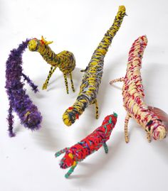 Tjanpi Desert Weavers! Must get... Aboriginal Painting, Art Programs, Australian Art, Indigenous Art, Weaving Art, Art Activities, Fiber Art, Art Dolls, Art For Kids