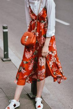 girly outfits – Mango midi red floral dress, asos white button down shirt, gucci ace heart white… Spring Dresses Casual, Cute Spring Outfits, Girly Outfits, Trendy Dresses, Nice Dresses, Dress Casual, Dress Outfits, Club Outfits, Chic Dress