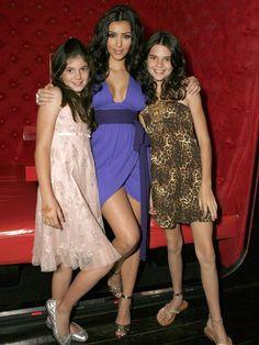 Kylie Jenner se está convirtiendo en la copia exacta de Kim Kardashian. Y sí da un poco de miedo