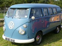 Nice blue on the BEST car in the world. I learned how to drive in this! Volkswagen Bus, Vw T1, Vw Samba Bus, Combi Split, Car Camper, Vw Cars, Car In The World, My Ride, Campervan