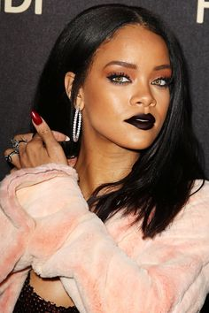 Does the new interview with #Rihanna reveal more about the writer than about @Rihanna herself? READ NOW --> http://www.thesubversal.com/miranda-july-interviews-rihanna-but-mostly-talks-about-herself/