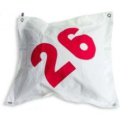 Housse de coussin DECK PILLOW - Housse de coussin en toile de voile de bateau recyclée, 4 oeillets chromés, imperméable. Motif : 26 rouge On adore son côté indestructible !