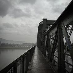 Ein Relikt der Vergangenheit, die Linzer Eisenbahnbrücke. Lucid Dreaming, Austria, Instagram Posts, Pictures, Linz, Past, Viajes, Nice Asses
