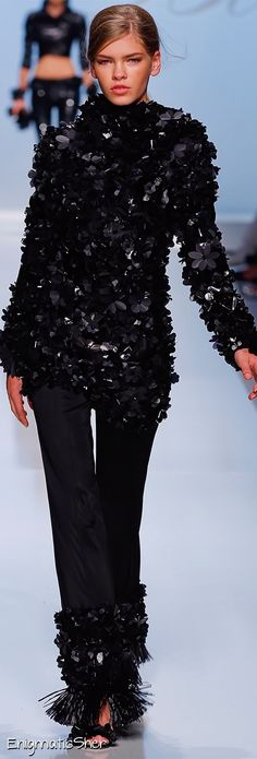 Blumarine SPRING 2012 READY-TO-WEAR