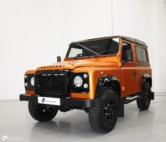 This brand new Land Rover Defender came to us straight from Land Rover for a vinyl transformation before reaching the customer. Here at VWC we wrapped the body of the 4x4 in 3M's new colour Copper Canyon & the roof wrapped in gloss black. The wheels, grill, & wheel arches where then painted black and the windows tinted with limo tints. ... What an end product!