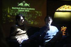 Red Bull Music Academy söyleşilerimiz 8 Şubat'ta Ankara'da başladı. Mezunlarımızdan Kaan Düzarat ve Ali Gültekin, bu ilk söyleşide katılımcılara tavsiyeler verdiler, kendi Red Bull Music Academy deneyimlerini paylaştılar.