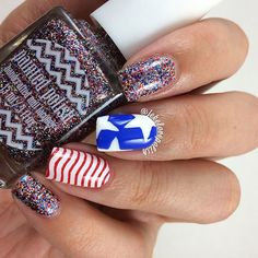 Patriotic nails. (by @jekelovepolish on IG)