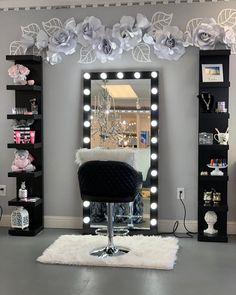 Teen Bedroom Designs, Bedroom Decor For Teen Girls, Room Design Bedroom, Teen Room Decor, Room Ideas Bedroom, Beauty Room Decor, Makeup Room Decor, Beauty Room Salon, Makeup Rooms