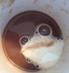 There Is A Frog in My Coffee - Accidental Art Bubbles: There is a frog in my coffee. I don't want to drink my coffee because this frog looks way too real. Coffee Art, My Coffee, Coffee Time, Coffee Break, Morning Coffee, Tea Time, Coffee Shop, Coffee Mugs, Doug Funnie