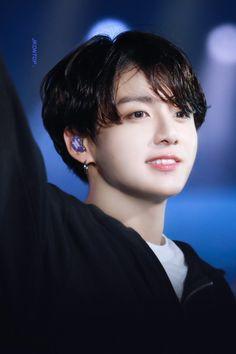 Jeon Jungkook a famous model and a billionaire son of Jeon Junghyun who is the CEO of Jeon corporation who falls for Kim Taehyung his bodyguard. Jungkook Cute, Kookie Bts, Jungkook Oppa, Bts Bangtan Boy, Jung Kook, Jung Hyun, Jong Kook Bts, Busan, Seokjin