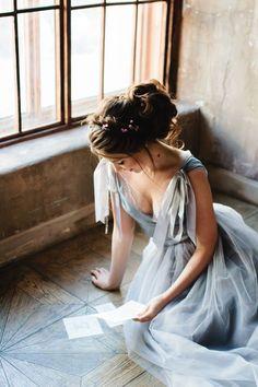 Dove gray wedding dress with ribbons | Tanya Mutalipova