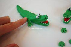 Fondant Alligator crocodile Tutorial