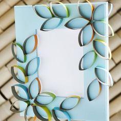 Cardboard Petal Picture Frame Eco-friendly Craft  http://planetforward.ca/blog/cardboard-petal-picture-frame-eco-friendly-craft/