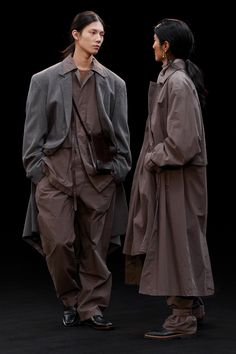 Fashion News, Mens Fashion, Vogue, Silhouette, Shearling Jacket, Fashion Show Collection, Cool Suits, Film, Work Wear