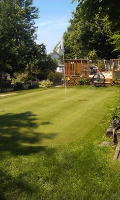DIY Backyard putting green