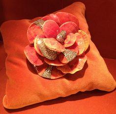 25 - Camellia brooch by JAR Paris, 2008 - Seashells, diamonds, silver, gold Jar Jewelry, Fine Jewelry, Jewelry Making, Jewelry Ideas, Orange You Glad, Expensive Jewelry, My Secret Garden, Orange Color, Orange Brown