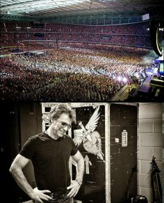 Jon Bon Jovi performs at Etihad Stadium in Melbourne, Australia on December 7, 2013 #Awesome