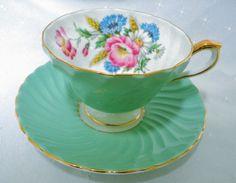 AYNSLEY ENGLAND GREEN POPPY DAISY TEXTURE TEA CUP AND SAUCER #AynsleychinaEngland