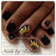 Sunflower Accent Nails by Instagram's @nailsby_becky, Black Nail Polish, Flower Nail Art, Floral Designs, Cool Nail Designs, Nail It! Magazine