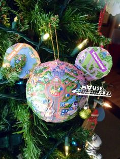 DIY Disney Parks Maps Ornament Photo Tutorial DIY Disney Parks Maps Photo Tutorial - The Mouse and the Monorail Disney Christmas Crafts, Disney Christmas Decorations, Mickey Christmas, Disney Crafts, Holiday Crafts, Christmas Diy, Disney Holidays, Homemade Christmas, Spring Crafts