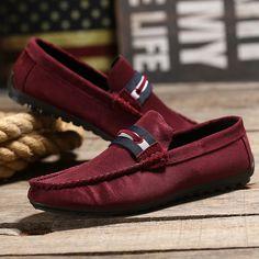 2016 hombres del verano Oxford lienzo conducción plana Simple Red hombre Slip On Shoes Mocasines de lona ocasionales del dedo del pie redondo sapatos homens