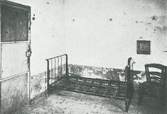 """miss-catastrofes-naturales: """" Vincent van Gogh's room in the psychiatric hospital in Saint-Paul-de Mausole in Saint-Remy """" Vincent Van Gogh, Abandoned Asylums, Abandoned Places, Abandoned Buildings, Psychiatric Hospital, Insane Asylum, Abandoned Hospital, Psy Art, Portraits"""