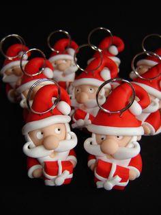 Petits pères Noël marque-places en pâte FIMO