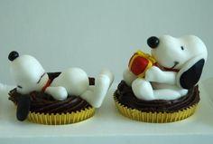 Snoopy Cupcakes. So cute.