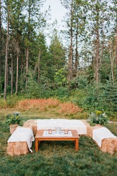 Sitting arrangement with Bales of Hay great City or Country Decor Idea!