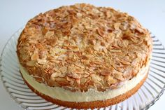 Ruck-Zuck-Bienenstich RezeptKuchen (disambiguation) Kuchen is the German word for cake and is used in other languages as the name for several different types of sweet desserts, pastries, and gateaux. Kuchen may also refer to: Bienenstich Recipe, Best Pancake Recipe, Mince Pies, Pumpkin Spice Cupcakes, Pastry Recipes, Easy Cake Recipes, Food Cakes, Fall Desserts, Cookies Et Biscuits