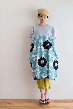 "New ""Rectangle"" Straight Line Dress, made of chizimi crepe cotton from Takamatsu, Japan. Printed by Hand. #sousou #tunic #tunicdress #abstract #art #sousouus #kyoto #japan #womenswear #womensfashion #summerdress"