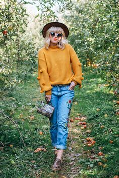 Bryanna Bach Cincinnati fashion and travel blogger | Currently trending- statement sweaters, yellow sweaters, pom pom sweaters, statement sleeves, embroidery, embroiedered denim, mules, fedora, reptile print, casual fall outfits, street style outfits 2017