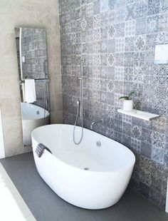 Freestanding bath ideas freestanding bath sale free standing bath tub throughout best freestanding bathtub ideas on Interior Design Blogs, Bad Inspiration, Bathroom Inspiration, Feature Tiles, Bathroom Feature Wall Tile, Bathroom Renos, Bathroom Tubs, Concrete Bathroom, Concrete Tiles