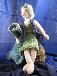 Knitted Little Mermaid ,Minnowmaid - The tail of the Mermaid is removable and can be removed and replaced with a skirt - Free Pattern - PDF Download -