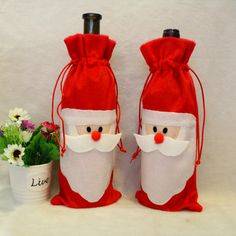 Christmas Red Wine Bottle Bag Party Santa Claus Button Decor Bottle Cover Cap Home Decoration for New Year Dinner Table Deco Christmas Party Table, Christmas Gift Bags, Christmas Table Decorations, Christmas Sewing, Felt Christmas, Christmas Projects, Xmas Gifts, Christmas Ornaments, Xmas Party