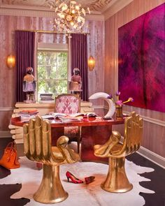 Golden Hand Chairs Interior Design by Kelly Wearstler. Photo courtesy of Kelly Wearstler. Kelly Wearstler, Boutique Interior, Estilo Hollywood Regency, Hollywood Regency Decor, Home Theaters, Home Design, Design Room, Design Design, Hand Chair