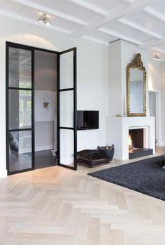 House entrance room mirror ideas for 2019 Interior Design Minimalist, Decor Interior Design, Contemporary Interior, Planchers En Chevrons, House Entrance, Entrance Foyer, Home Living Room, New Homes, House Design