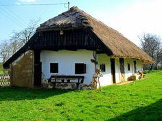 Régi parasztház Hungary, Poland, Life Is Good, Gazebo, Farmhouse, Outdoor Structures, Cabin, Traditional, Country