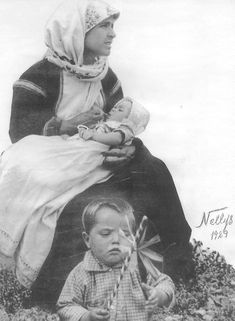 Greece Time, Old Photos, Greek, Traditional, Couple Photos, Mothers, Lord, Costumes, Places