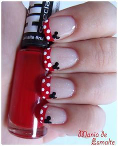 Step-by-step Minnie Mouse Nails 1. Paint your nails with clear glitter nail polish and let dry. 2. Paint the tips of your nails and let dry. 3. Using a dotting tool or toothpicks, dot white spots on the red. 4. Using a dotting tool or toothpicks, dot three black dots in the corner of each nail to create Minnie. Or, print out this picture and take it to a manicurist. (-:3
