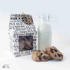 crafts to make and sell, DIY Cookie Treat Box with Tutorial Free Pattern Cookie Gift Boxes, Diy Gift Box, Cookie Gifts, Diy Box, Food Gifts, Homemade Cookies, Yummy Cookies, Croissant, Cookie Packaging