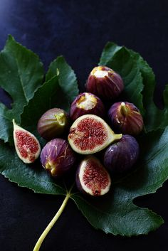 Trente recettes avec les figues in 2020 Vegetables Photography, Fruit Photography, Fruit And Veg, Fruits And Vegetables, Fig Fruit, How To Cook Meatballs, Fig Recipes, Exotic Fruit, Delicious Fruit