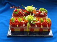 ** Slaný dort ** Sandwich Cake, Salty Cake, Food Decoration, Wrap Sandwiches, Appetisers, Edible Art, Food Art, Hamburger, Buffet