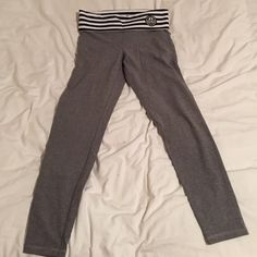Abercrombie and Fitch leggings BRAND NEW just changed mind and didn't like the color there's nothing wrong with them I just ripped the tag of and couldn't return them but like I said brand new! Abercrombie & Fitch Other